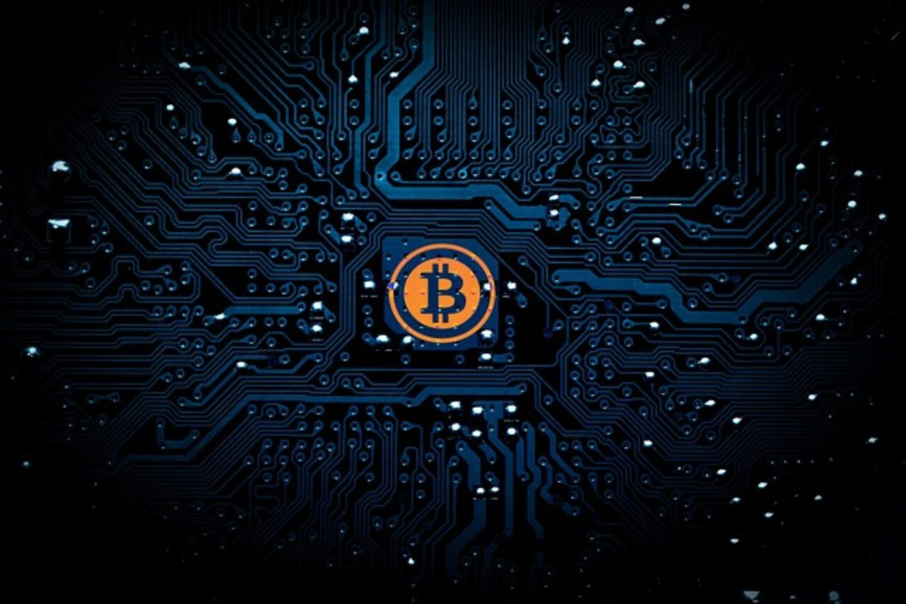 Zarabianie na bitcoin – czy to się opłaca?