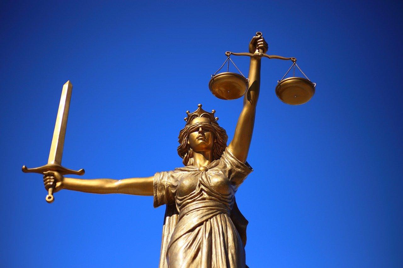 Wyrok zaoczny i co dalej – jakie kroki podejmować?
